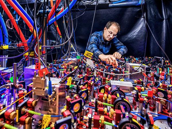 quantum-clock-q.a